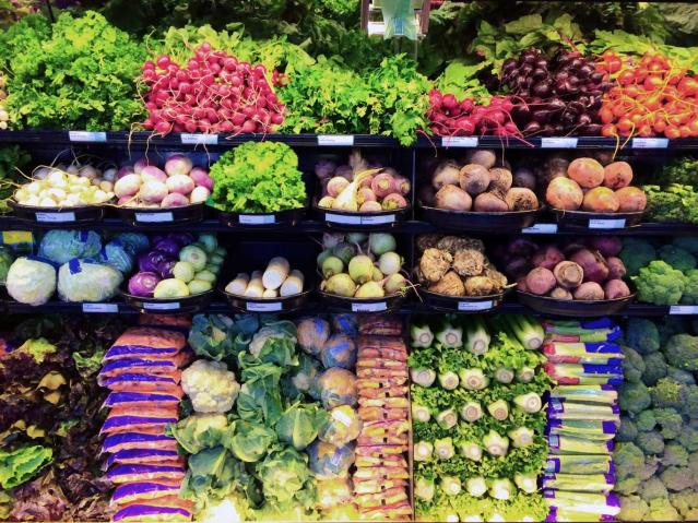 supermarket-vegetables